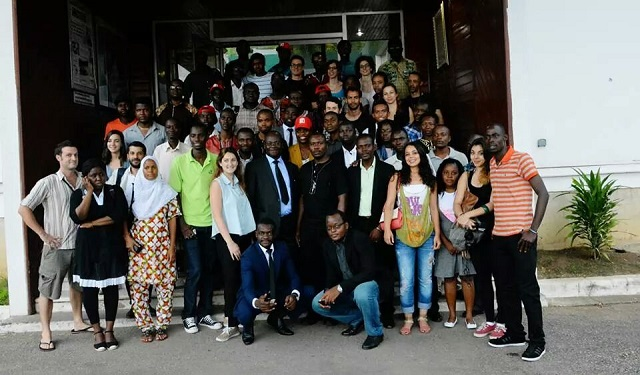 Mondoblog Abidjan 2014  en visite à FratMat